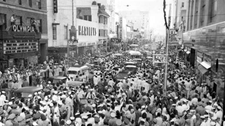 Flagler Street on VJ Day in 1945