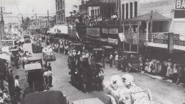 Parade down Flagler Street in 1911